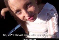Novinha caiu na net mostrando a buceta gostosa