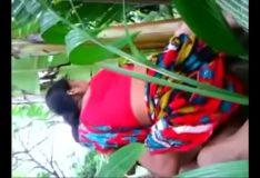Novinha trepando com macho no mato