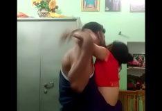 Irmão tentando comer a irmã novinha