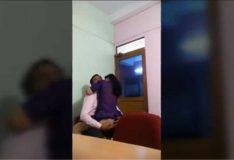 Pastor pegado a crente novinha no igreja