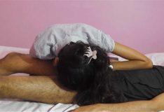 Novinha engolindo porra